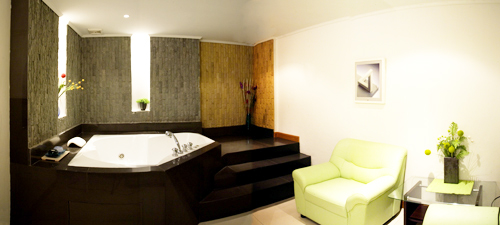 Rooms with jacuzzi for Hotel jacuzzi 13